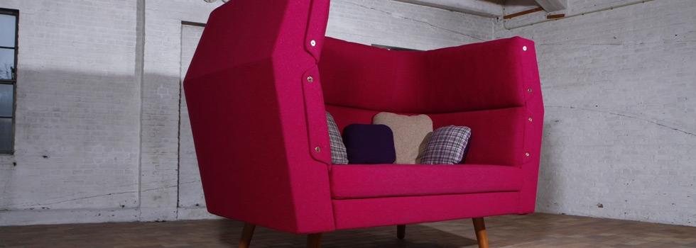 Utopa Love seat (by VanDen)